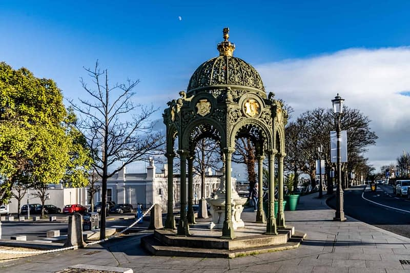 1900-QUEEN-VICTORIA-MEMORIAL-FOUNTAIN-DUN-LAOGHAIRE-159838-1