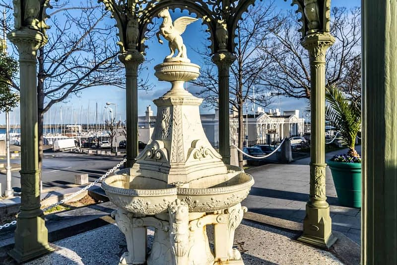 1900-QUEEN-VICTORIA-MEMORIAL-FOUNTAIN-DUN-LAOGHAIRE-159839-1