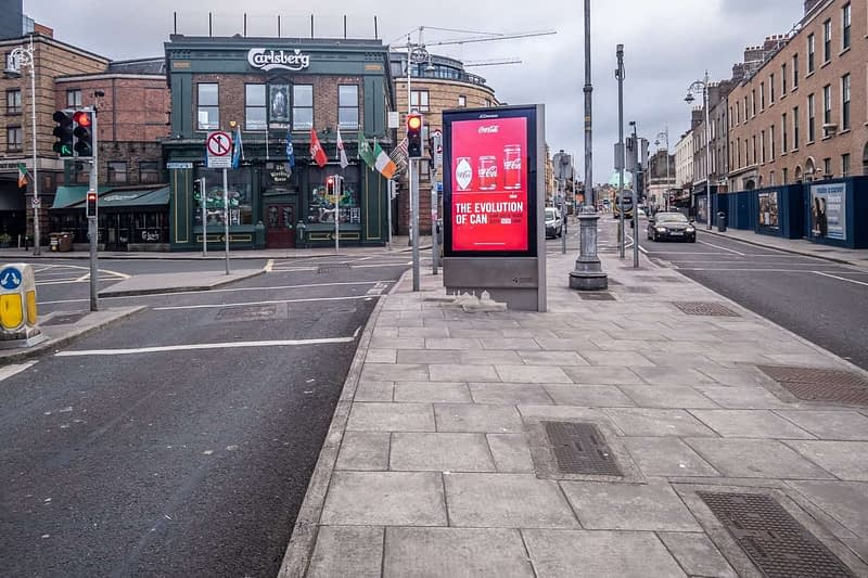 A-WALK-ALONG-CAMDEN-STREET-THE-DAY-BEFORE-THE-LOCKDOWN-160802-1