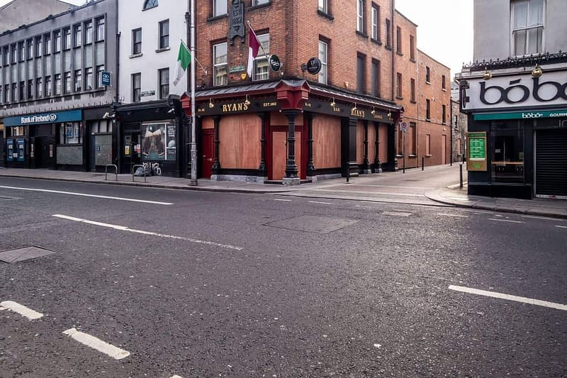 A-WALK-ALONG-CAMDEN-STREET-THE-DAY-BEFORE-THE-LOCKDOWN-160807-1