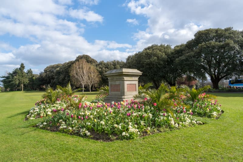 A-WALK-IN-THE-PARK-THE-PEOPLES-FLOWER-GARDENS-IN-PHOENIX-PARK-160270-1