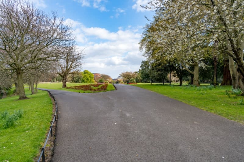 A-WALK-IN-THE-PARK-THE-PEOPLES-FLOWER-GARDENS-IN-PHOENIX-PARK-160280-1