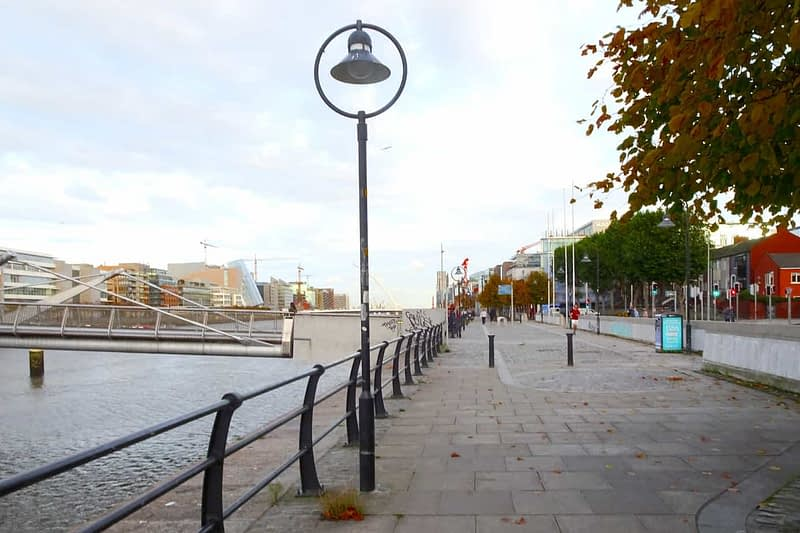 AUTUMN-LEAVES-ALONG-CITY-QUAY-IN-DUBLIN-DOCKLANDS-166540-1