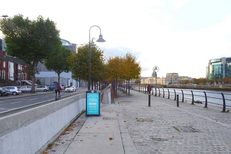 AUTUMN-LEAVES-ALONG-CITY-QUAY-IN-DUBLIN-DOCKLANDS-166542-1