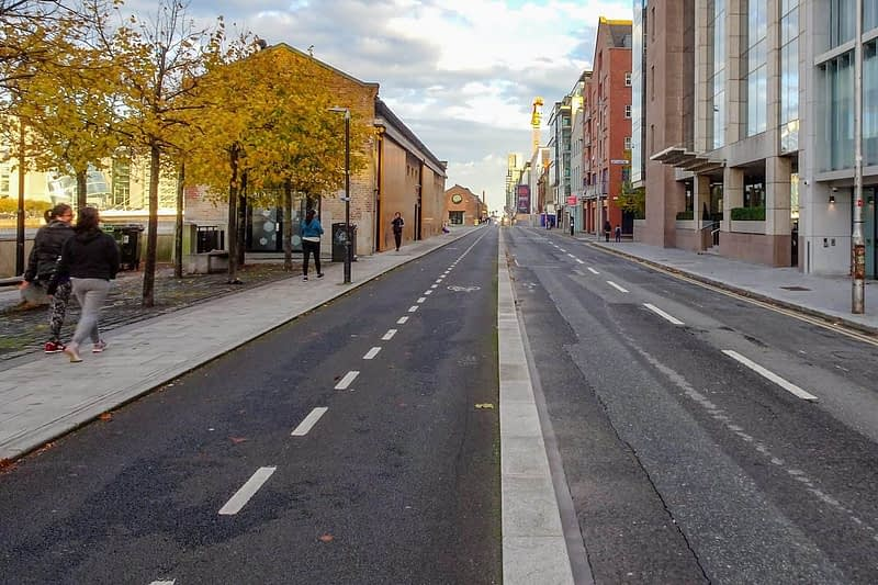 AUTUMN-LEAVES-ALONG-CITY-QUAY-IN-DUBLIN-DOCKLANDS-166546-1
