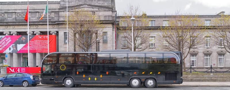 BLACK-BUS-OUTSIDE-THE-NATIONAL-CONCERT-HALL-EARLSFORT-TERRACE-165749-1