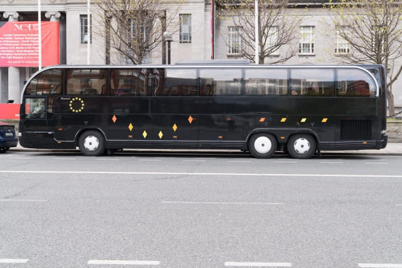 BLACK-BUS-OUTSIDE-THE-NATIONAL-CONCERT-HALL-EARLSFORT-TERRACE-165751-1