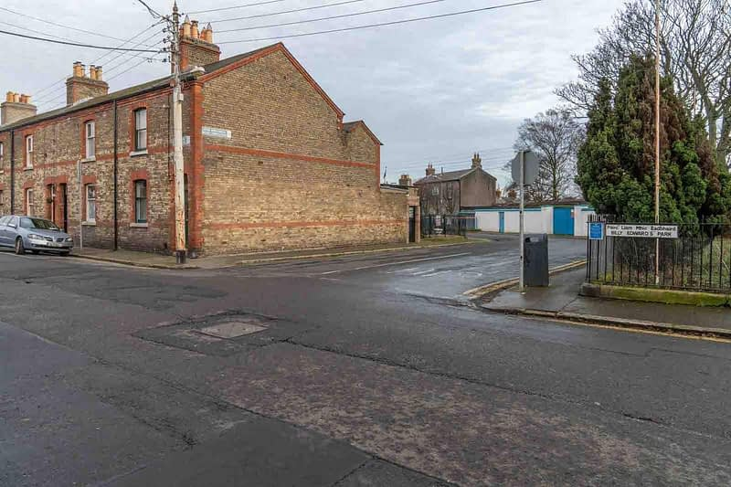 BILLY-EDWARDS-PARK-AT-MANOR-PLACE-IN-STONEYBATTER-BILLYS-BED-159147-1