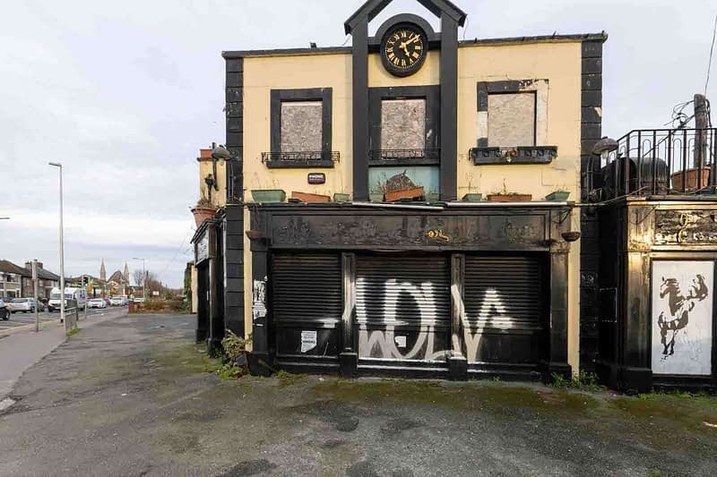 BLACK-HORSE-INN-IN-INCHICORE-DUBLIN-PUBS-ARE-DISAPPEARING-AT-AN-AMAZING-RATE-158943-1