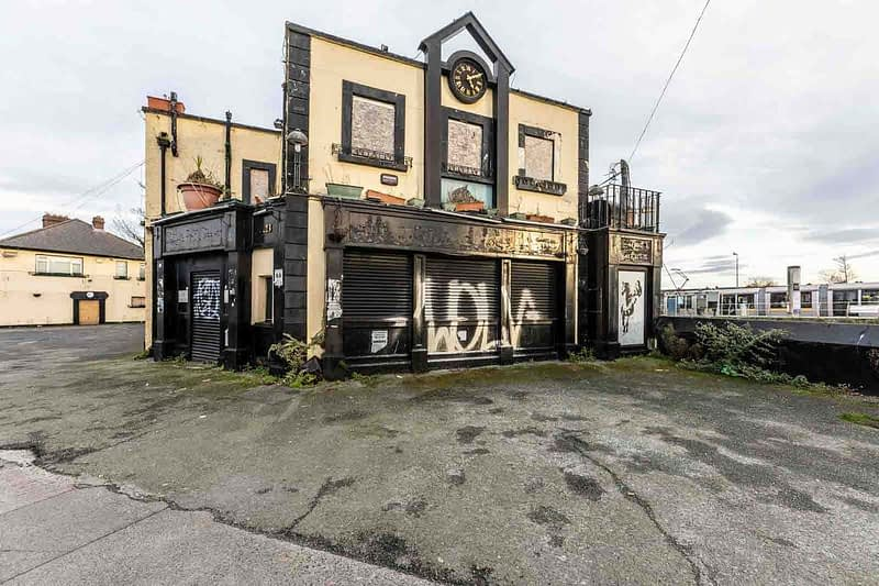 BLACK-HORSE-INN-IN-INCHICORE-DUBLIN-PUBS-ARE-DISAPPEARING-AT-AN-AMAZING-RATE-158944-1
