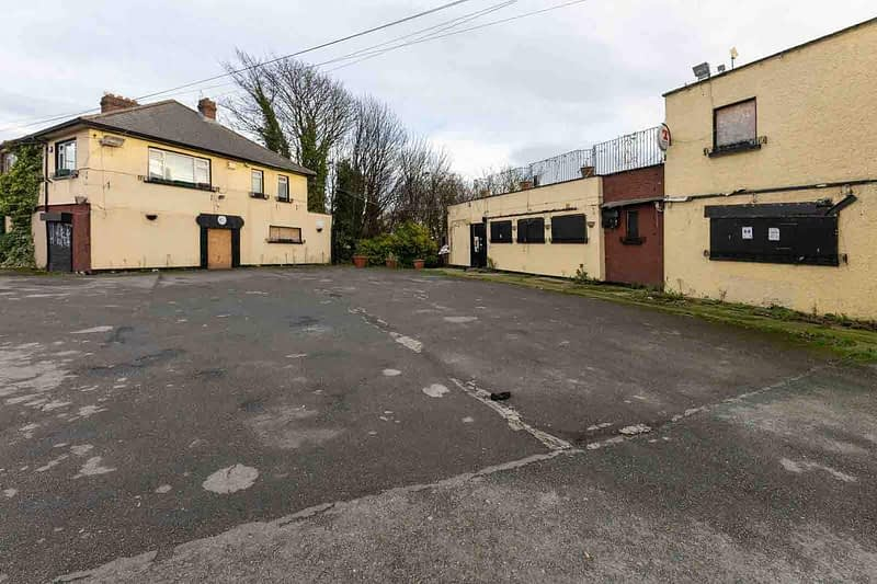 BLACK-HORSE-INN-IN-INCHICORE-DUBLIN-PUBS-ARE-DISAPPEARING-AT-AN-AMAZING-RATE-158946-1