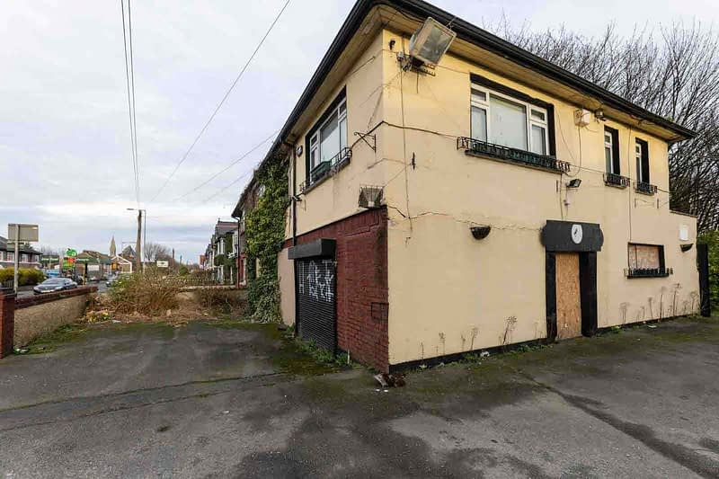 BLACK-HORSE-INN-IN-INCHICORE-DUBLIN-PUBS-ARE-DISAPPEARING-AT-AN-AMAZING-RATE-158947-1