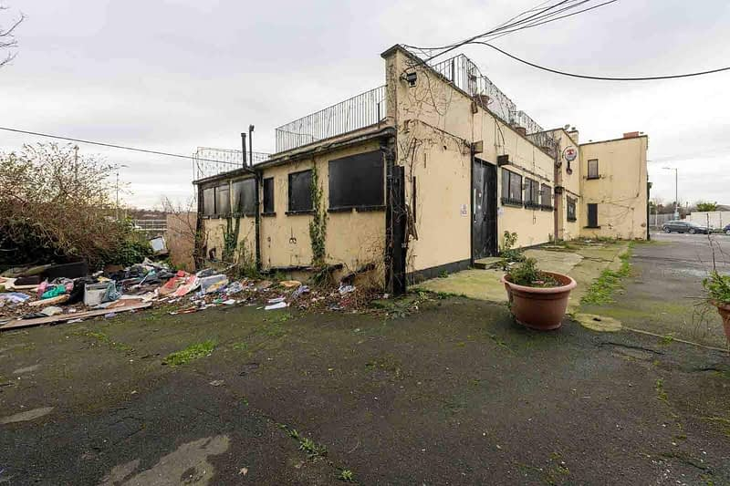 BLACK-HORSE-INN-IN-INCHICORE-DUBLIN-PUBS-ARE-DISAPPEARING-AT-AN-AMAZING-RATE-158948-1