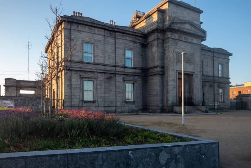 BROADSTONE-GATE-AND-PLAZA-ENTRANCE-TO-GRANGEGORMAN-UNIVERSITY-CAMPUS-161065-1