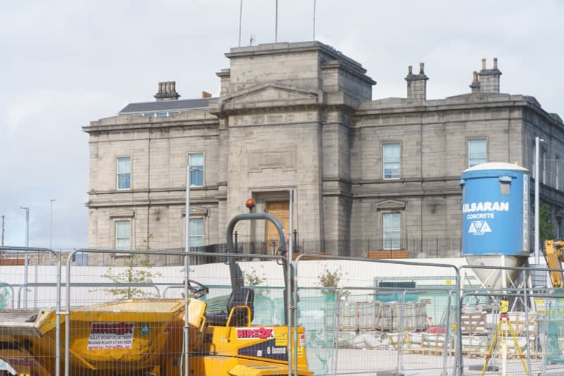 IT-WOULD-APPEAR-THAT-THIS-PROJECT-IS-CLOSE-TO-COMPLETION-GRANGEGORMAN-GATE-BROADSTONE-PLAZA-165842-1