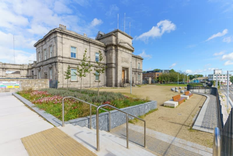 IT-WOULD-APPEAR-THAT-THIS-PROJECT-IS-CLOSE-TO-COMPLETION-GRANGEGORMAN-GATE-BROADSTONE-PLAZA-165868-1