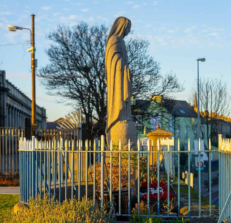 MARIAN-STATUE-INSTALLED-IN-1953-AT-BROADSTONE-STATION-159821-1