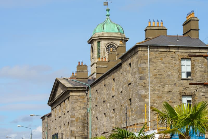 A-COMPRESSED-VIEW-OF-LOWER-GRANGEGORMAN-BECAUSE-I-USED-A-105mm-LENS-165725-1