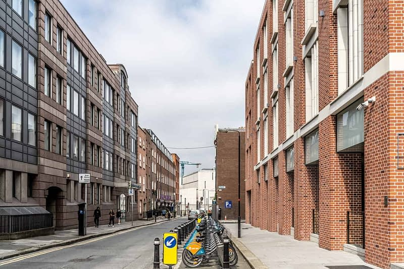 DUBLINBIKES-DOCKING-STATION-98-SOUTH-FREDERICK-STREET-165491-1