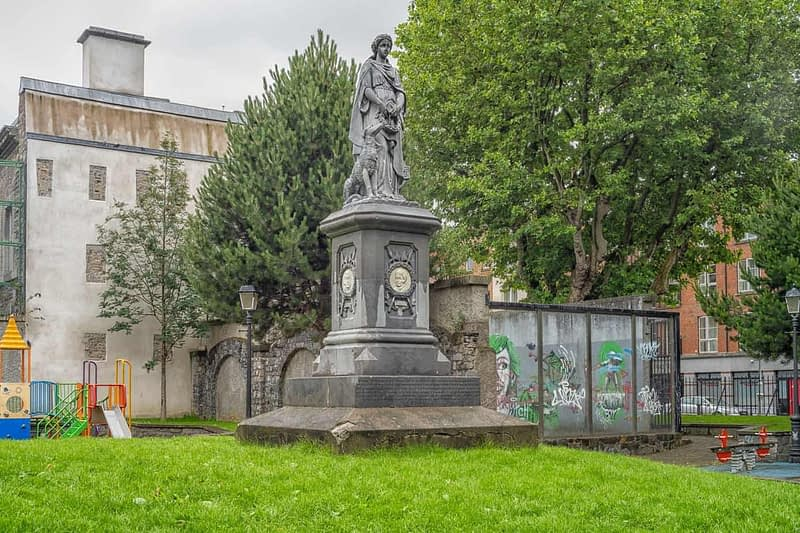 ÉIRE-1798-MEMORIAL-St.-MICHANS-PARK-I-USED-A-VOIGTLANDER-PANCAKE-40mm-LENS-163819-1