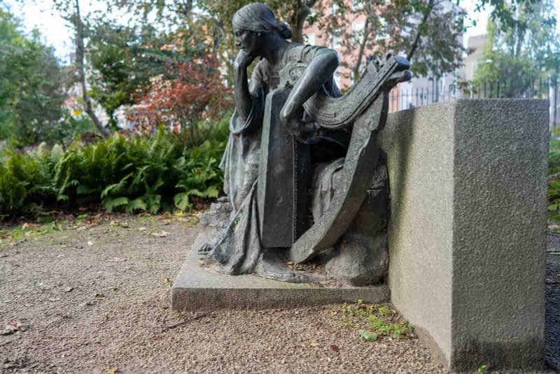 ÉIRE-BY-JEROME-CONNOR-1874-1943-RESTORED-AND-THEN-RELOCATED-WITHIN-MERRION-SQUARE-PUBLIC-PARK-157811-2