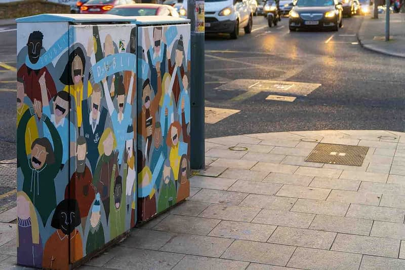 FANS-BY-CLAIRE-FITZPATRICK-PAINT-A-BOX-STREET-ART-ON-LOWER-DRUMCONDRA-ROAD-158674-1