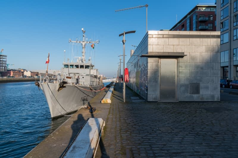 ERIDAN-CLASS-M641-FRENCH-NAVY-VISIT-DUBLIN-IN-APRIL-2017-160325-1