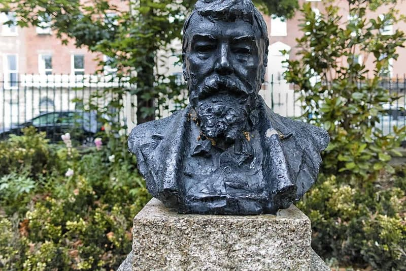 GEORGE-WILLIAM-RUSSELL-Æ-MERRION-SQUARE-PUBLIC-PARK-163088-1