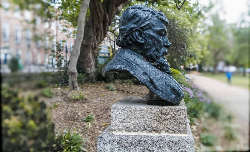 GEORGE-WILLIAM-RUSSELL-Æ-MERRION-SQUARE-PUBLIC-PARK-163089-1