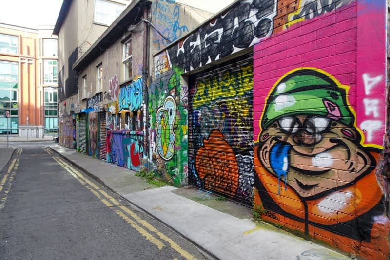 STREET-ART-ON-LIBERTY-LANE-ONE-OF-THE-FEW-GRAFFITI-LANES-REMAINING-IN-THE-CITY-CENTRE-166244-1