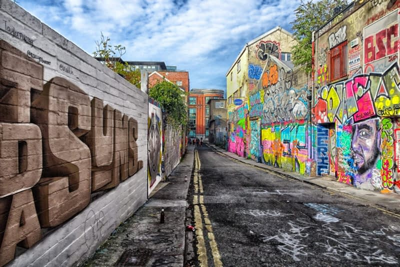 STREET-ART-ON-LIBERTY-LANE-ONE-OF-THE-FEW-GRAFFITI-LANES-REMAINING-IN-THE-CITY-CENTRE-166259-1