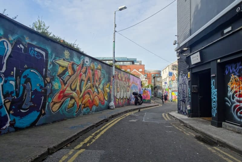 STREET-ART-ON-LIBERTY-LANE-ONE-OF-THE-FEW-GRAFFITI-LANES-REMAINING-IN-THE-CITY-CENTRE-166266-1