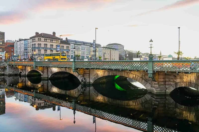 GRATTAN-BRIDGE-KNOWN-LOCALLY-AS-CAPEL-STREET-BRIDGE-158849-1