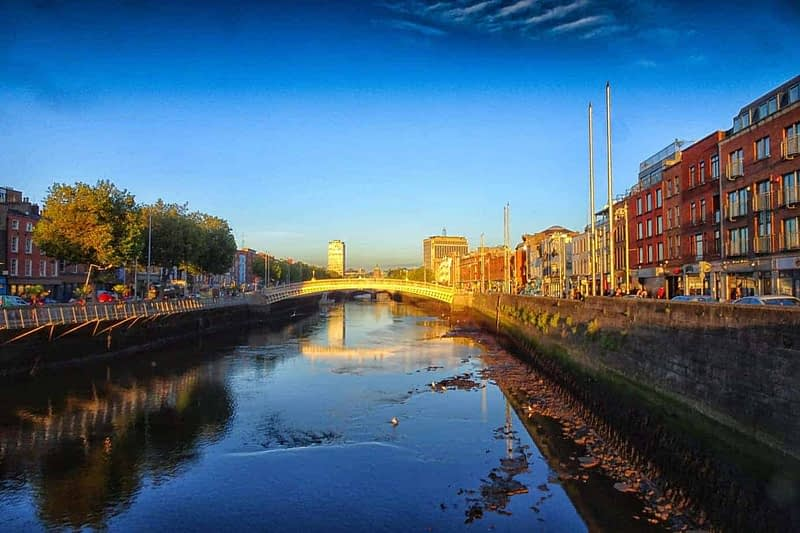 THE-HALFPENNY-BRIDGE-AT-SUNSET-2-OCTOBER-2020-166483-1