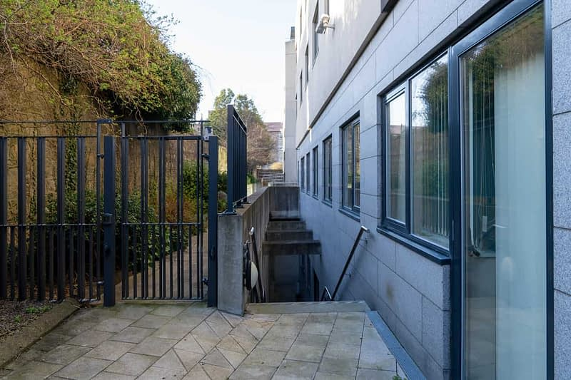 CROFTON-ROAD-AND-THE-NEW-HARBOUR-SQUARE-COMPLEX-DUN-LAOGHAIRE-159988-1