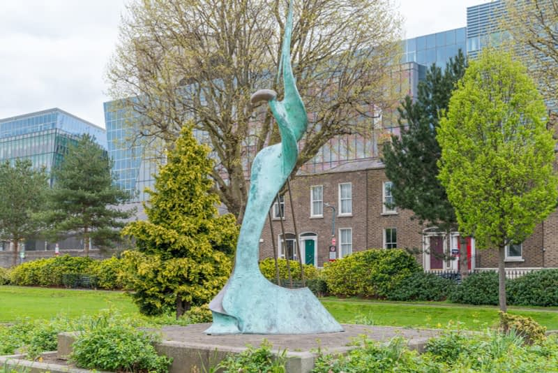 HARMONY-A-SCULPTURE-BY-SANDRA-BELL-PEARSE-SQUARE-PUBLIC-PARK-165983-1