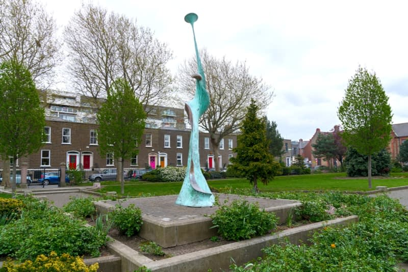 HARMONY-A-SCULPTURE-BY-SANDRA-BELL-PEARSE-SQUARE-PUBLIC-PARK-165985-1