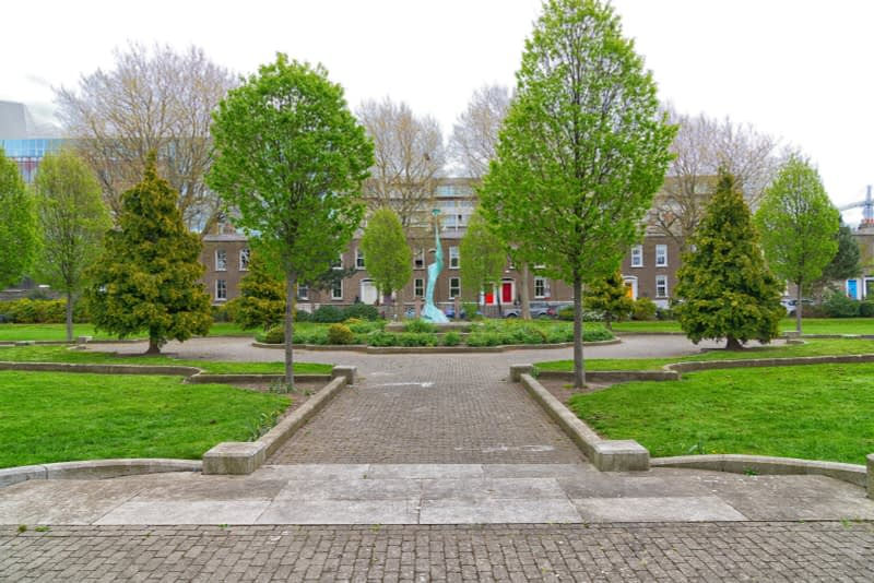 HARMONY-A-SCULPTURE-BY-SANDRA-BELL-PEARSE-SQUARE-PUBLIC-PARK-165986-1