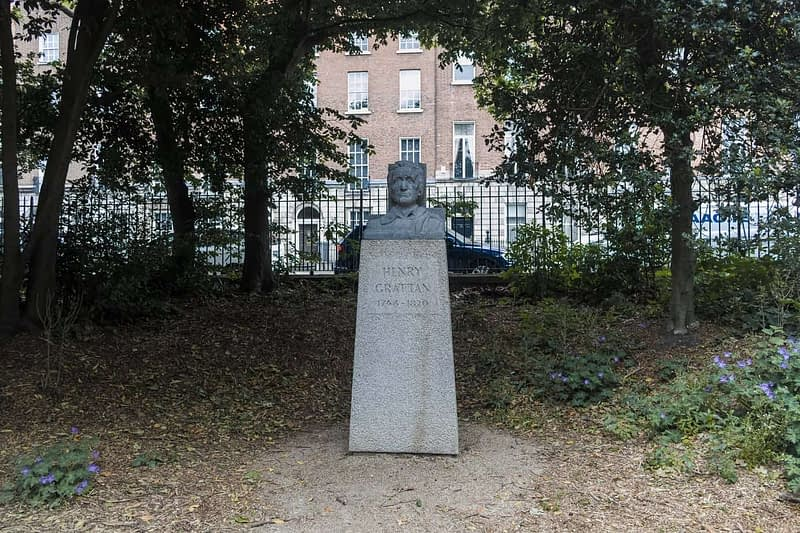 HENRY-GRATTAN-IN-MERRION-SQUARE-PARK-BY-PETER-GRANT-163091-1