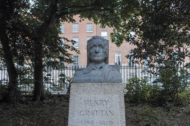 HENRY-GRATTAN-IN-MERRION-SQUARE-PARK-BY-PETER-GRANT-163092-1