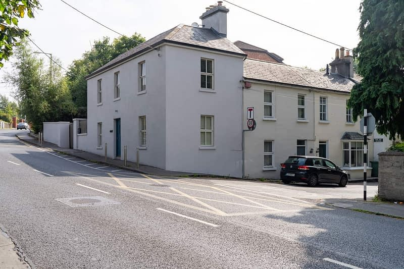 A-SELECTION-OF-HOUSES-AND-HOMES-ALONG-DUNDRUM-ROAD-165520-1