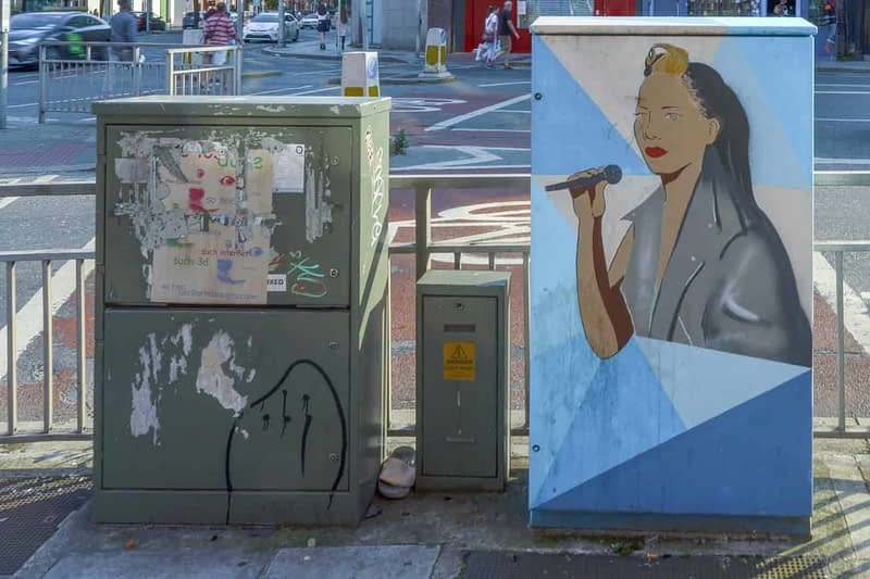 PAINT-A-BOX-STREET-TRIBUTE-TO-IMELDA-MAY-166041-1