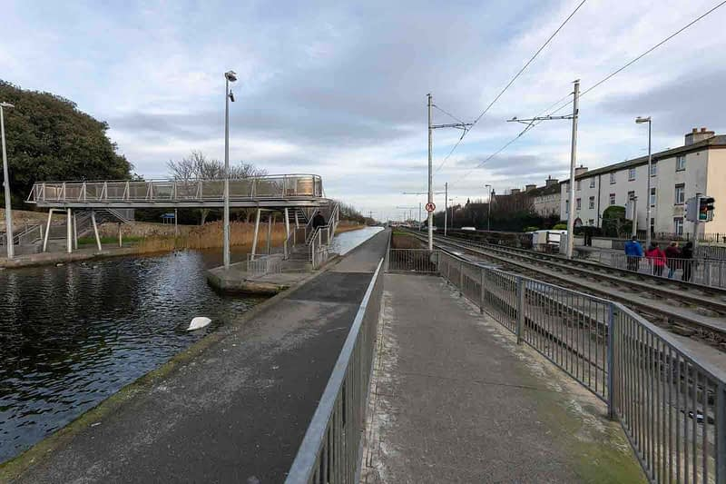 DRIMNAGH-LUAS-TRAM-STOP-AT-GOLDENBRIDGE-CEMETERY-158976-1