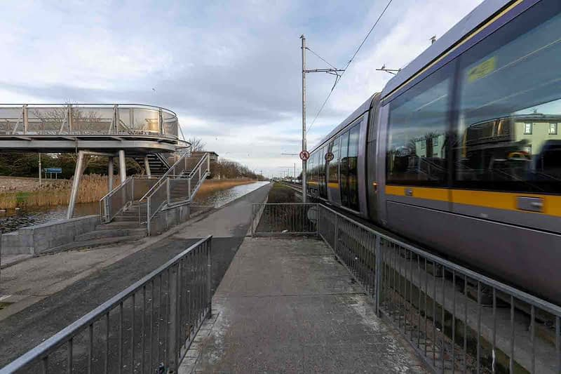 DRIMNAGH-LUAS-TRAM-STOP-AT-GOLDENBRIDGE-CEMETERY-158977-1