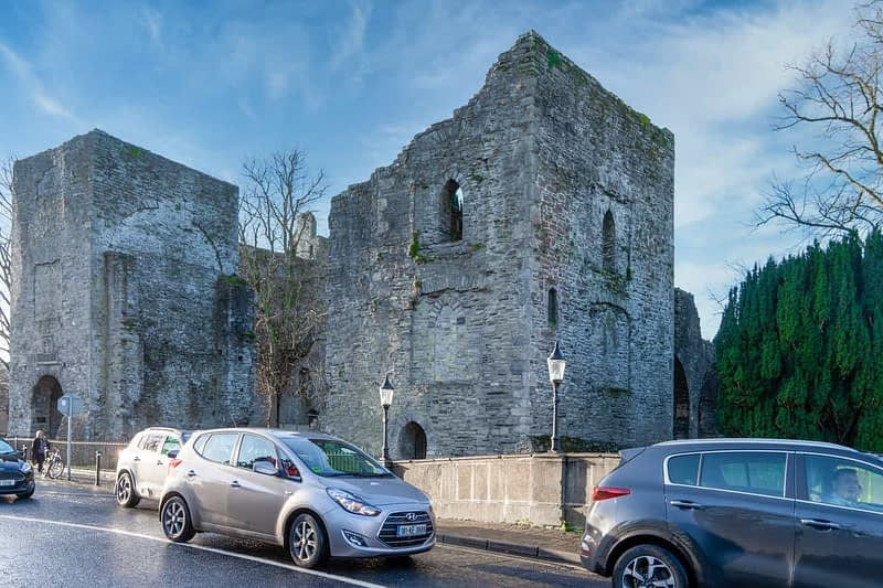 MAYNOOTH-CASTLE-IN-MAYNOOTH-COUNTY-KILDARE-160368-1