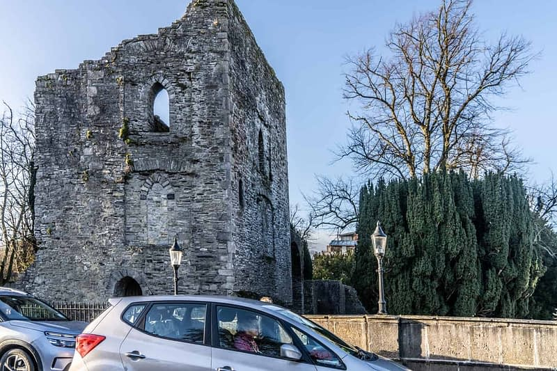 MAYNOOTH-CASTLE-IN-MAYNOOTH-COUNTY-KILDARE-160369-1