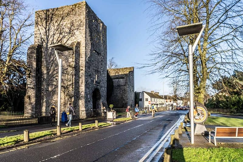 MAYNOOTH-CASTLE-IN-MAYNOOTH-COUNTY-KILDARE-160371-1
