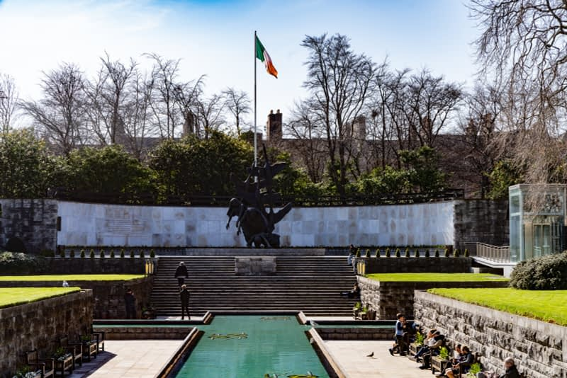 THE-GARDEN-OF-REMEMBRANCE-PHOTOGRAPHED-22-MARCH-2020-PARNELL-SQUARE-160732-1