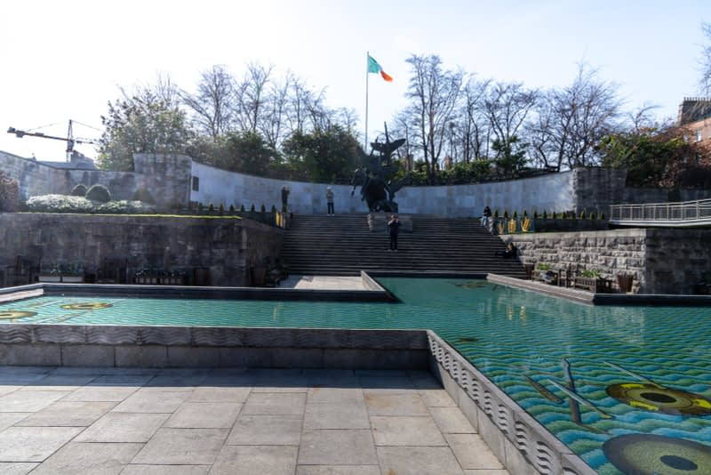 THE-GARDEN-OF-REMEMBRANCE-PHOTOGRAPHED-22-MARCH-2020-PARNELL-SQUARE-160734-1