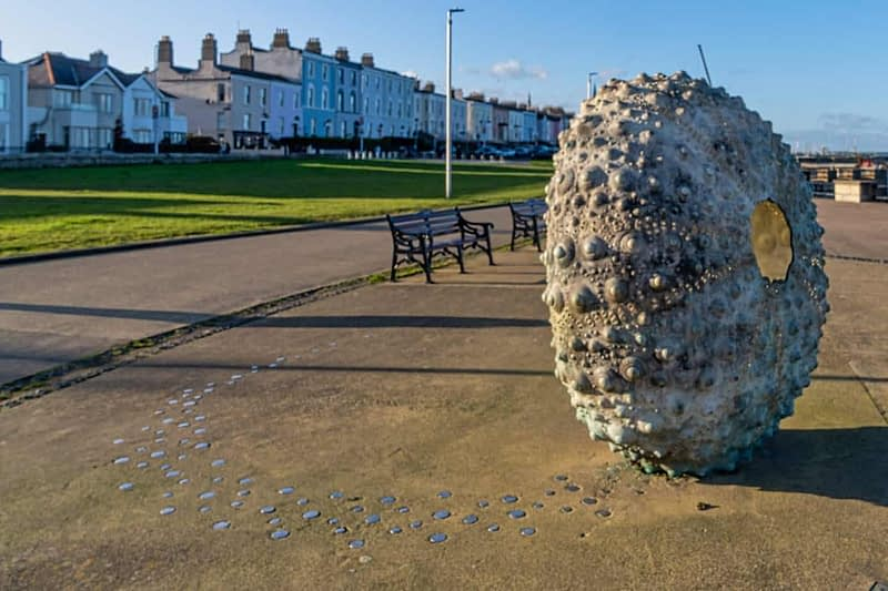 THE-MOTHERSHIP-BY-RACHEL-JOYNT-NEWTOWNSMITH-BETWEEN-DUN-LAOGHAIRE-TOWN-AND-GLASTHULE-159829-1